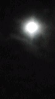 月を抱いて。。。
